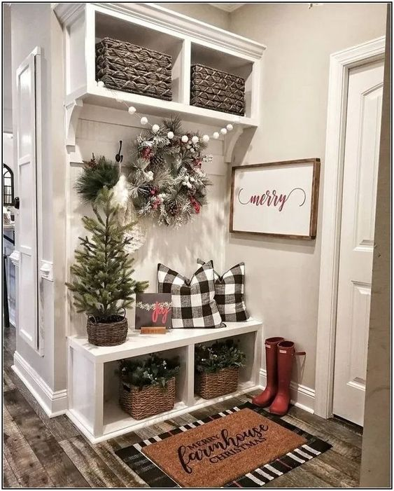 Holiday Home Design Ideas: 10 Modern Farmhouse Christmas Decorating Ideas For The