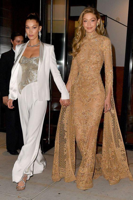 Tiro duplo: As irmãs Gigi Hadid e Bella Hadid tiraram nosso fôlego no prêmio Women of the Year da Revista Glamour USA