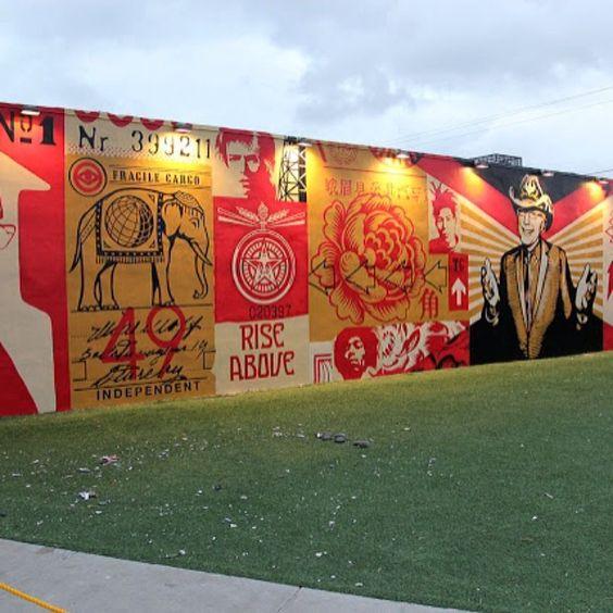 Mural de Shepard Fairey, em Miami, Estados Unidos. #urbanart #streetart #streetartist #arte #artist #artederua #art #instalaçoes #experiencia #installation #usa #arquiteturadavidguerra #shepardfairey #miami