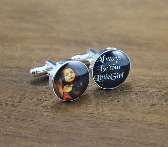 Customize your dad cufflinks with your photo.