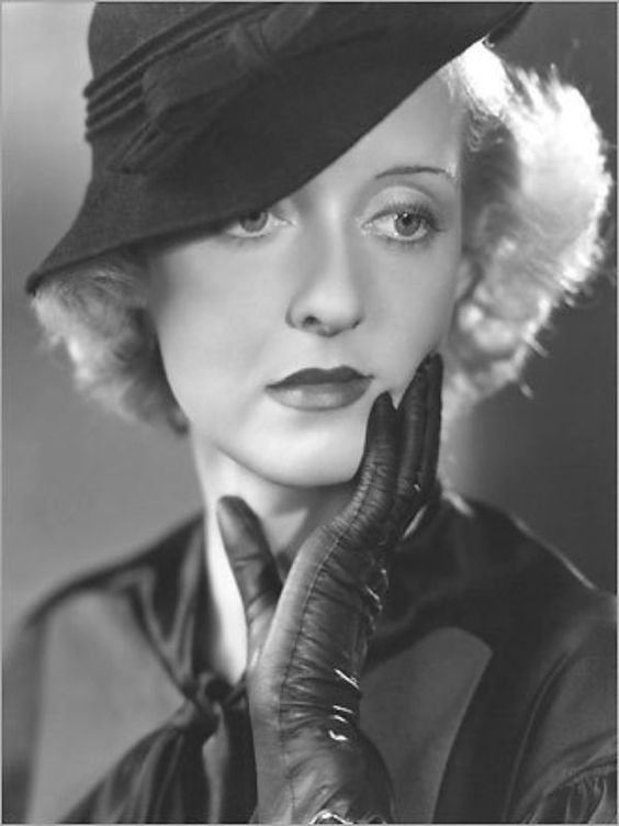 Bette could rock a hat.