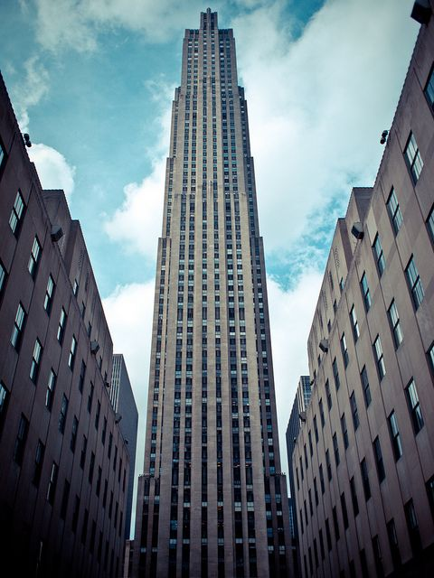 decoarchitecture: Rockefeller Center, #NYC, #NewYork . via alohasavani  30 Rock looming against blue sky and clouds. | #architecture #urban