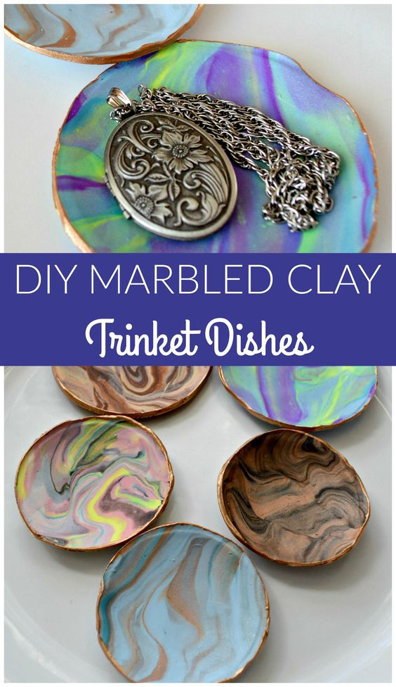 These marbled clay trinket dishes are so easy to make! You will want to make a bunch! They are great for gifting or selling, too!