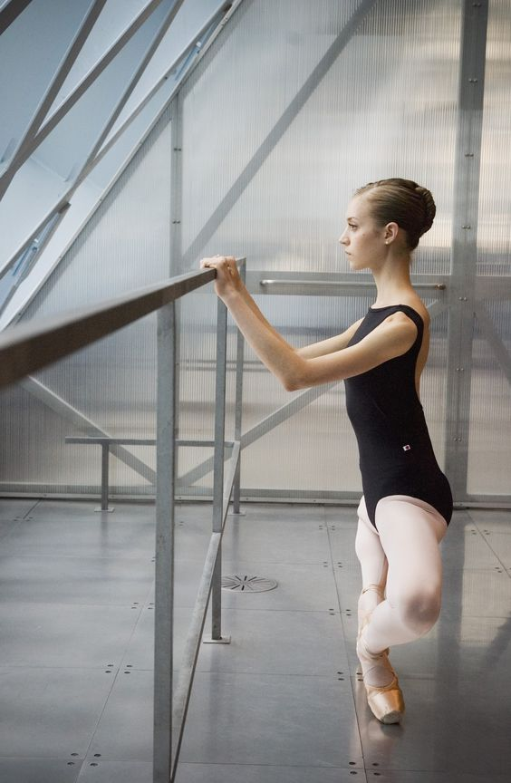 tsarina-ballerina:    rosyballet-dreams:    iaoki:    Leah Slavens II, May 2012 - Isaac Aoki    HOLY MOTHER OF PLIES!!!   OMGGG LOOK AT HER LEGSS, TURNOUT, PLACEMENT!!!  WHY CAN'T I BE THIS PERFECT!????    wat    GUYZ she was born that way.
