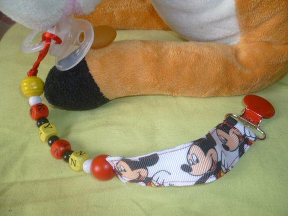 attache tetine personnalisé en perles de bois et ruban crezolibb ...
