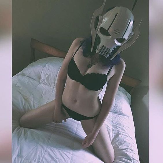 Force girl @arsenicstar just got a Grevious....