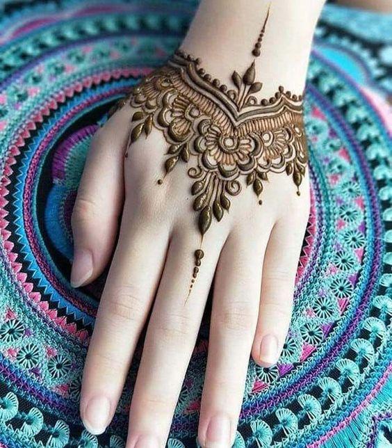 Bracelet style mehndi design