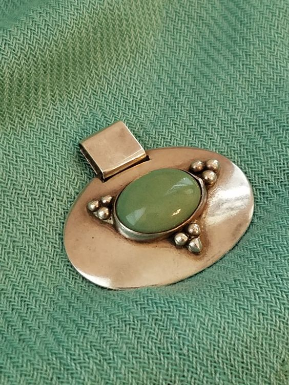 Vintage Mexico Sterling Silver green stone Pendant SIGNED De Los Ballesteros MM-34 NZ1841  - pinned by pin4etsy.com