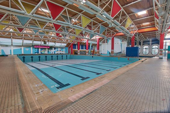 Temple Cowley Swimming Pool, Oxford, England - August 2016