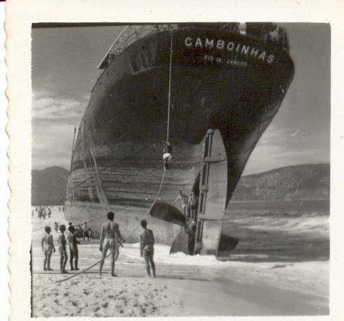 Niterói  Navio Camboinhas - naufragado na praia que receberia seu nome