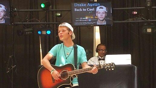 Drake playing at mall