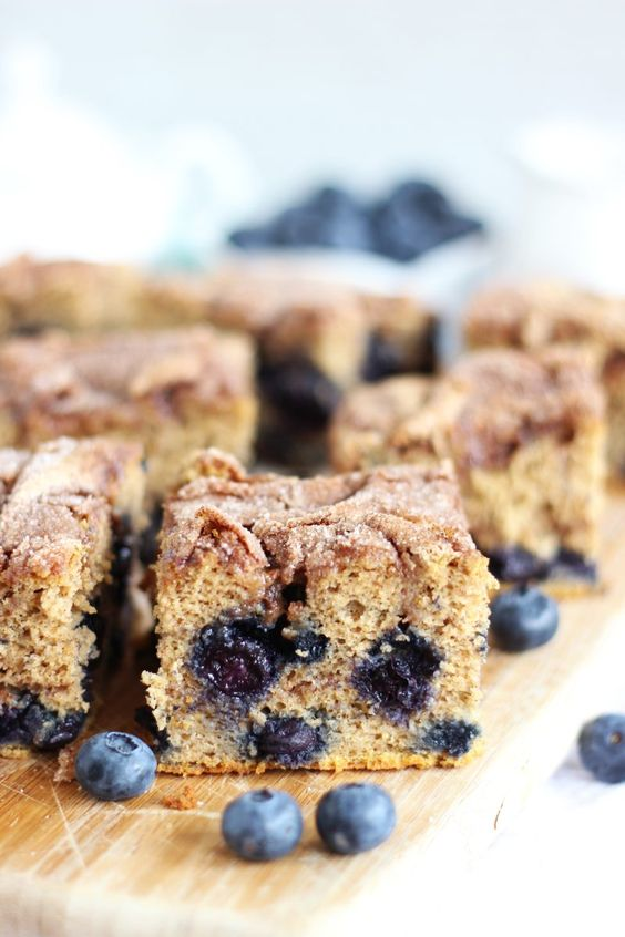 Blueberry Cinnamon Swirl Protein Coffee Cake – Dan330