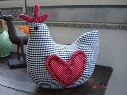 Resultado de imagem para linhas e pinceis galinha porta... molde e pap