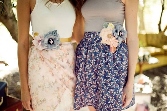I love these flower belts! Cute outfits for bridesmaids too! :)