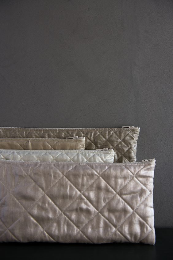 Quilted Zipper Pouches in Mineral Linen. FREE pattern!!