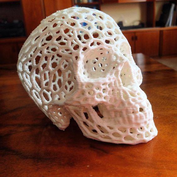 #3dprinting #3dprintalife #thingiverse #prusai3 #skull #skulls #voronoi #beornottobe #spooky by daniel.puskas.3