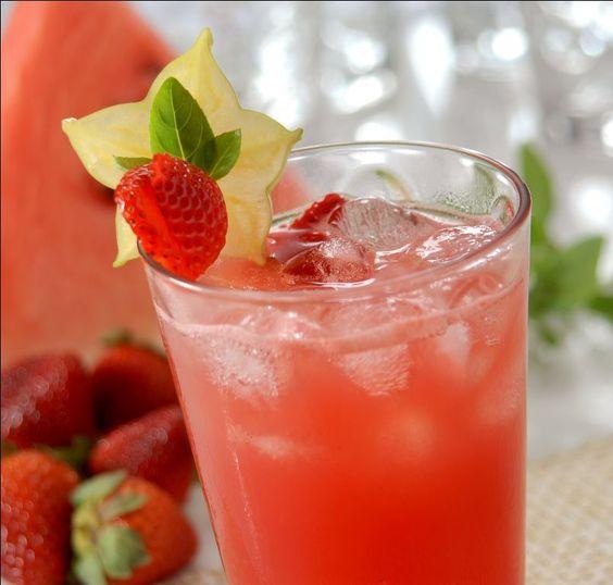 Três receitas de sucos nutritivos ideais para o verão