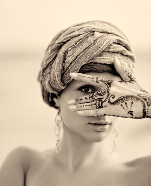 '': Culture Secrets, Henna Tattoos, Beautiful Henna, Hand Henna, Hand Art, Beautiful Art, Arabic Beauty, Eye