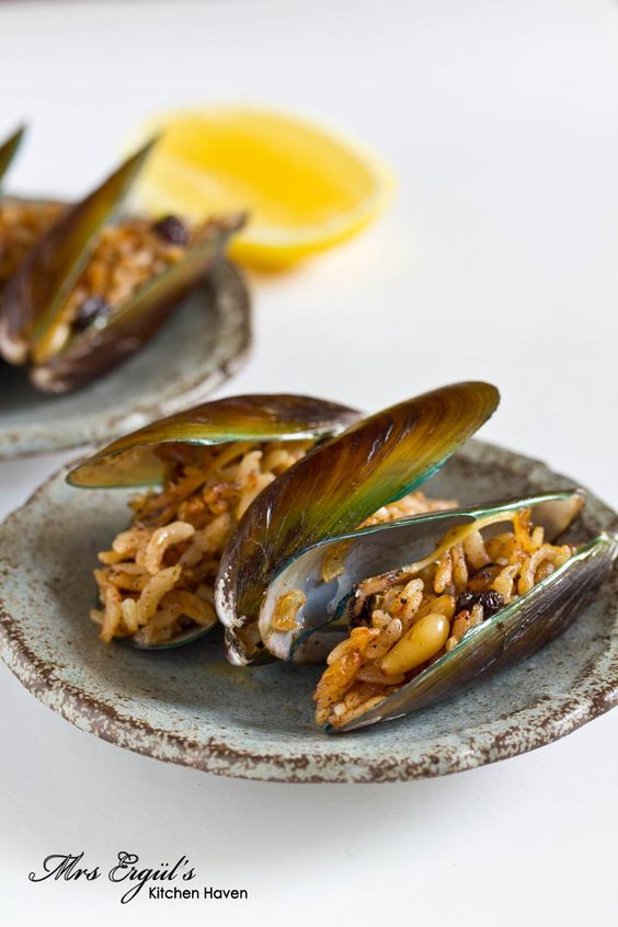 Stuffed Mussels, İstanbul-street style I have to make this ...