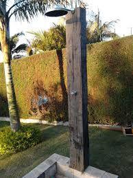 Ducha piscina madeira pesquisa google quintal e - Duchas exteriores para piscinas ...