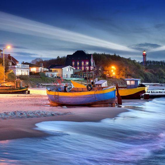 Poland - Niechorze - Kutry rybackie na plaży