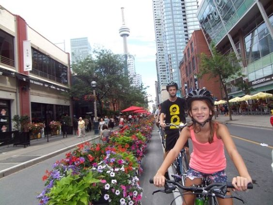 Heart of Downtown 6 - Toronto Bicycle Tours