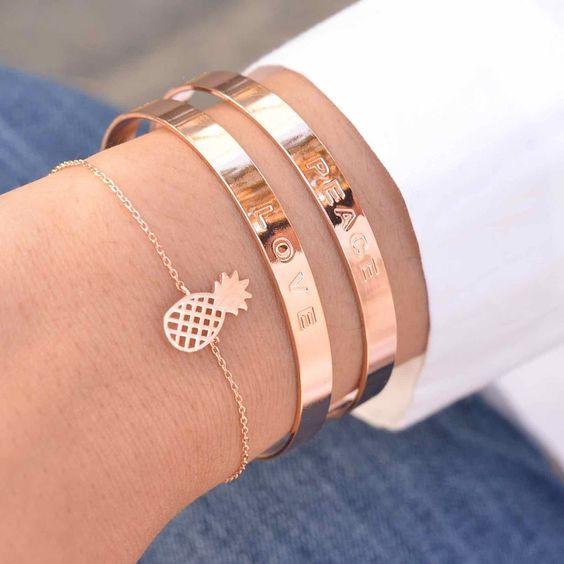 Majolie - Bracelet Jonc Peace Or Rose – Majolie - Des bijoux prêts à offrir!
