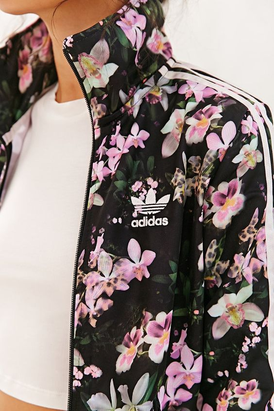 Adidas orchid track jacket urban outfitters deportes y for Adidas floral shirt urban outfitters