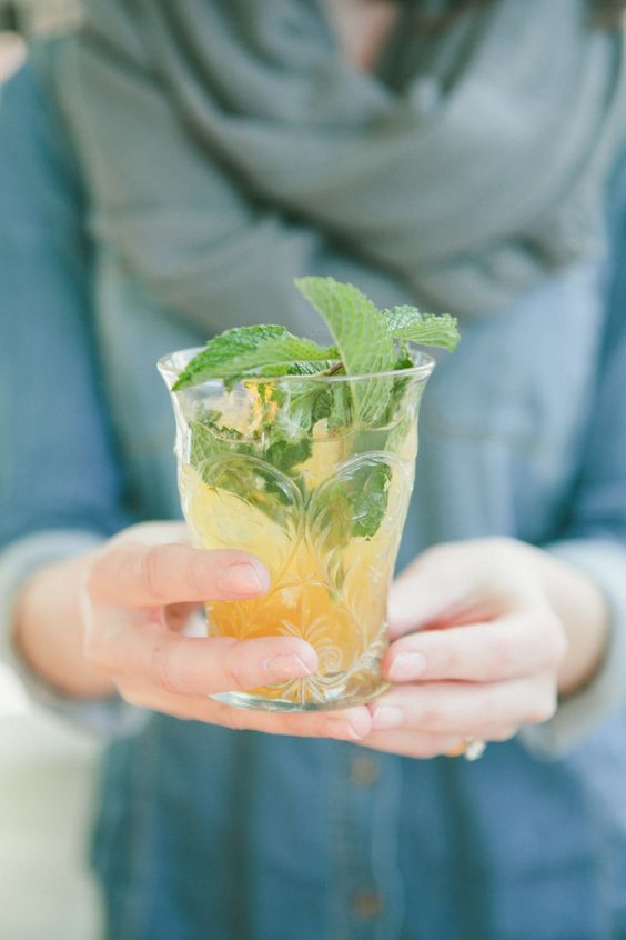signature wedding drinks | fabmood.com #signaturedrinks