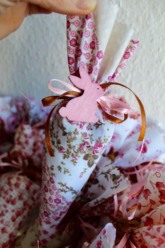 Carotte de tissu avec chocolat: