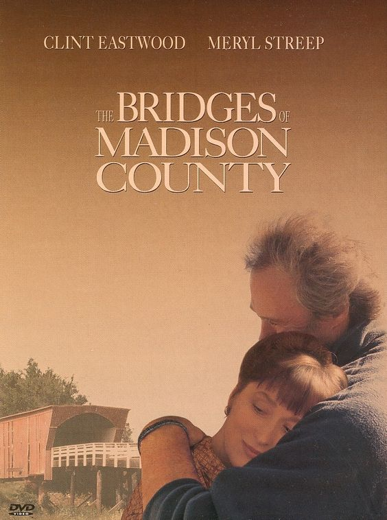 Los puentes de Madison (1995) esta pelicula romantica nos da la oportunidad de ver a Clint Eastwood como fotografo del National Geographic...un clásico