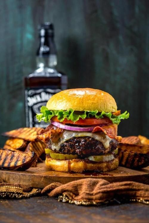 Unicorncupcake1031 Goodfoodgrove My Homemade Jack Daniels Burgers And Grilled Potato Wedge Fries Never Disappoint Oc Recipes In Comments Huntinglife Med Billeder