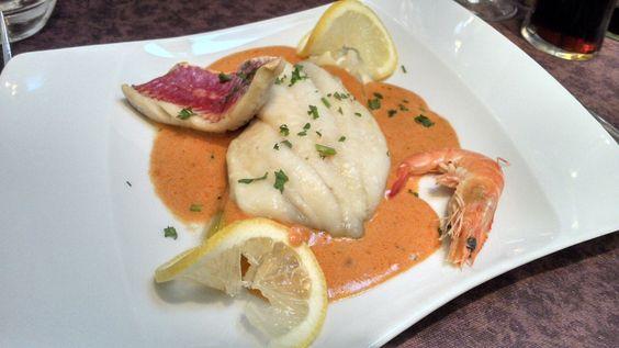 Duo de poissons, sauce homardine sur lit de poireaux / Le Jardin d'Hiver de la Bertelière - St Martin du Vivier (avis restau complet sur le blog)