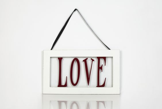 """""""Love"""" Picture Frame.  What you'll need: #Cricut machine and Cricut Cartridge: Type Candy."""