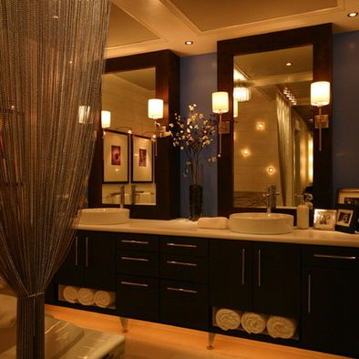 Sconces mirror and masters on pinterest for Cool master bathrooms