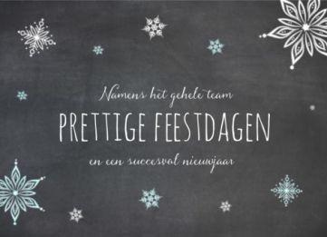 Kerstkaart met krijtbord en ijssterren
