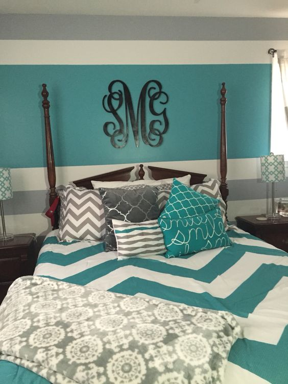If you want to brighten up your room this teal with gray is a great way to do it. There's darker gray and bright teal to get a bit of contrast and a whole lot of fun to go with it.