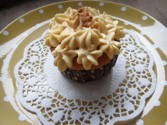 Mit Zucker, Salz & Bauchgefühl: Fairy Cupcakes mit Frischkäse-Karamel-Creme