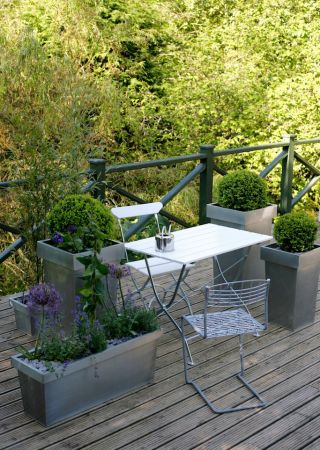 Balcony ideas for apartment living - - Contemporary Garden