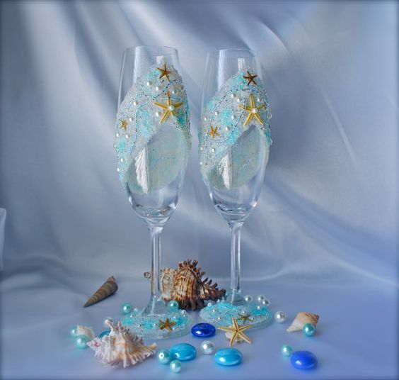 wedding favors and decorations wedding toasting flutes starfish wedding glasses 9454