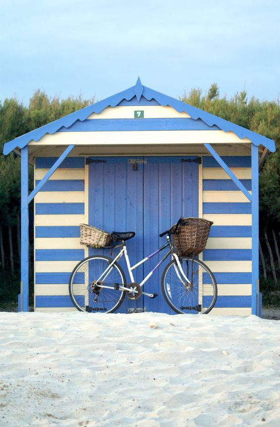 a perfect summer outing: bike and beach!: