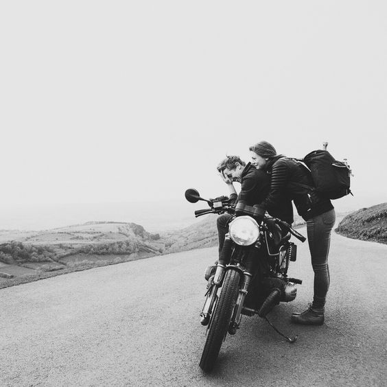 Moto, abrazos, tú... 100% felicidad.