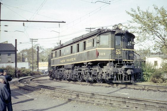493c1684e752ec9fc970ff84c36ed010 railroad pictures train art new haven rs11's 1411 & 1412 head up a passenger train at new  at gsmportal.co