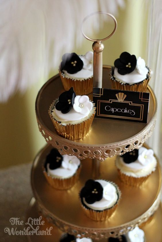 wedding cakes cupcakes pictures these cupcakes are gorgeous forget that 24131