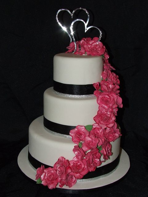 Hot Pink Wedding Cake I Would Want The Navy Ribbon To Be