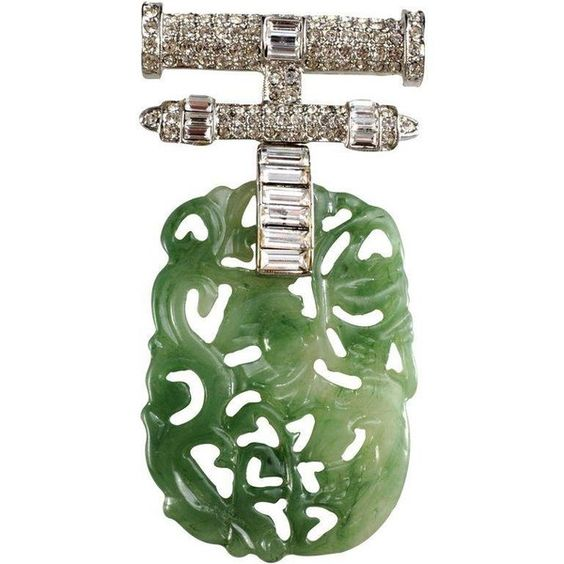 Pre-owned Kenneth Jay Lane Faux-Jade & Rhinestone Brooch (1.745 VEF) ❤ liked on Polyvore featuring jewelry, brooches, brooches & lapel pins, rhinestone broach, kenneth jay lane brooch, fake jewelry, round pendant and art deco pendant