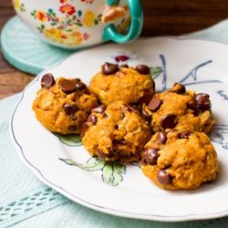 Pumpkin Cookies with pecans, oats and dark chocolate chips.
