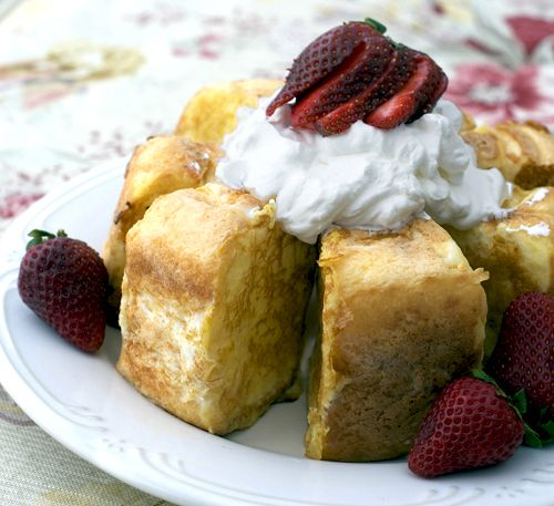 Angel Food Cake French Toast. CANNOT WAIT TO MAKE THIS!!