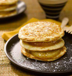 Pancakes façon Hamburger, ananas poêlés et sucre noix de coco