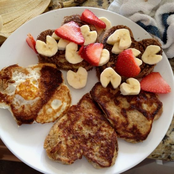 <3  Heart Shaped: French Toast, Cinnamon Apple Pancakes, Egg In A Hole And Strawberries